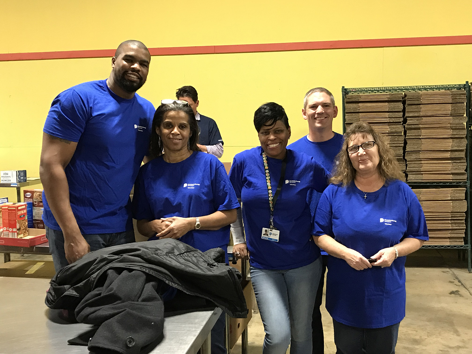 Dominion Energy Solutions Employees Volunteering